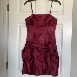 Maroon Strapless Formal Dress